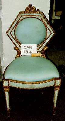 Chaise d'un mobilier de salon, comprenant dix pièces