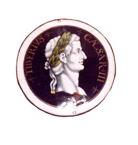 Plaque circulaire : Auguste, d'un ensemble de huit (MR 2566 à 2574)