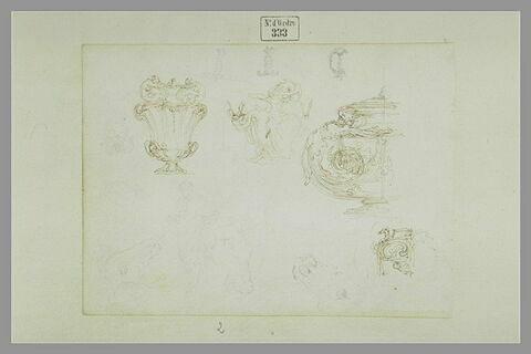 Quatre vases ; trois têtes de chevaux ; une figure ; trois poignées d'épée