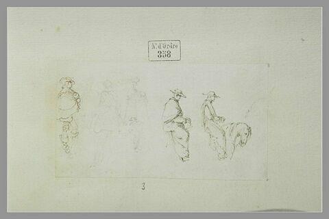 Trois hommes debout et deux religieux à cheval