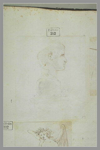 Tête de l'empereur Constantin, de profil placée sur un socle