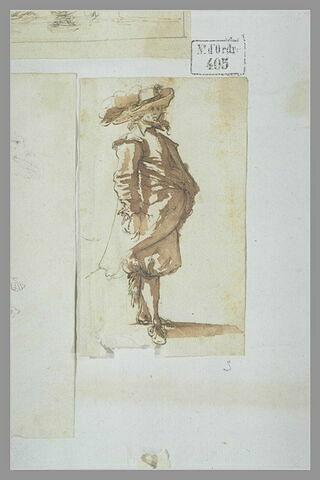 Homme debout, tourné vers la droite, coiffé d'un chapeau à larges bords