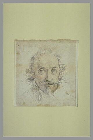 Tête d'homme de face portant moustache et barbiche
