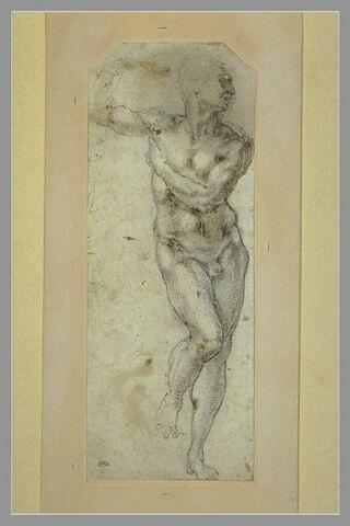 Homme nu, debout, la tête de profil vers la droite