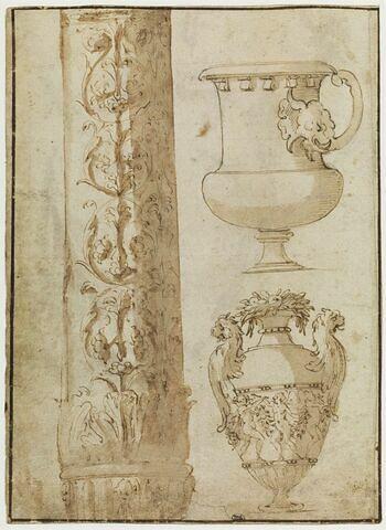 Deux urnes dont une couronnée de fruits, et fût de colonne orné