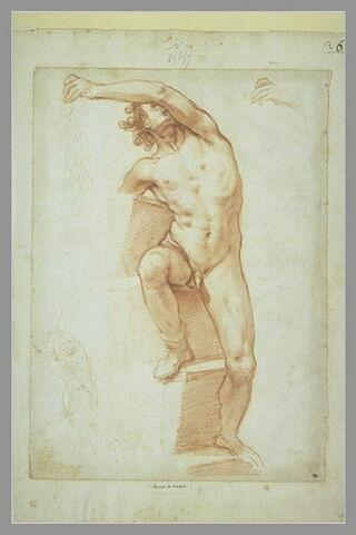 Homme nu, de face, appuyé sur un socle à degrés ; deux esquisses d'homme nu