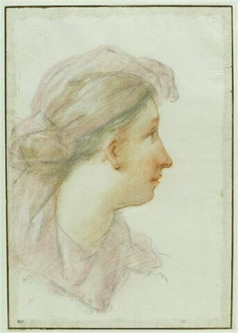 Femme de profil coiffée d'un foulard