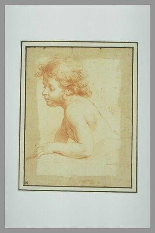 Demi-figure d'enfant nu, tourné vers la gauche