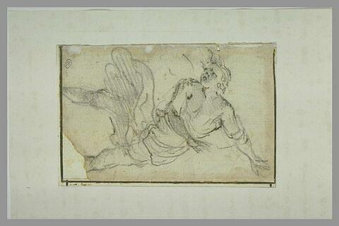 Figure vue de dos, courant, les bras écartées dans une position tourmentée