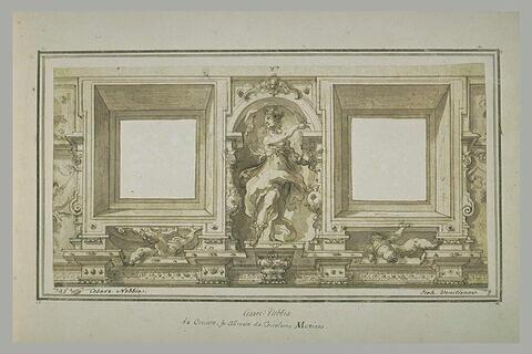 Niche contenant une figure feminine drapée, debout, entre deux baies carrées