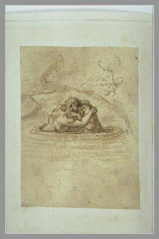 Deux hommes s'enlaçant au milieu d'un lac