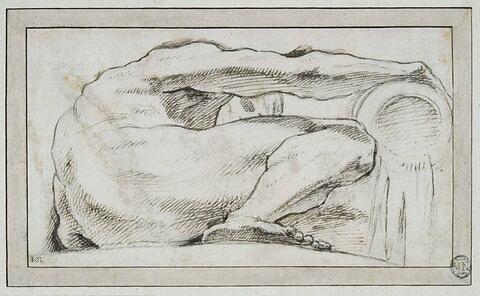 Un fleuve couché à terre vu en raccourci et de profil