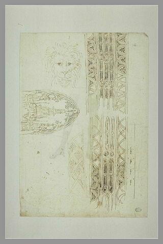 Esquisses d'architecture ; tête de lion ; motifs ornementaux gothique