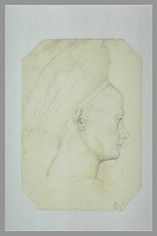 Tête de jeune femme coiffée d'un turban, de profil, vers la droite
