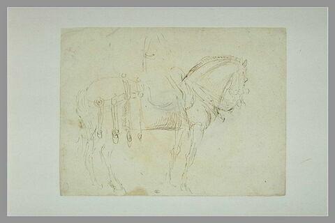 Cavalier monté sur un cheval, de profil vers la droite