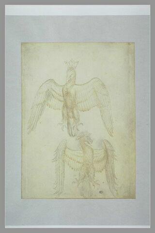 Deux aigles héraldiques, éployées, couronnés