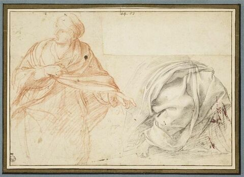 Femme debout et draperie