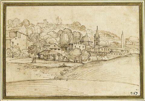 Une bourgade parmi les arbres, avec un vaste bâtiment sur une colline