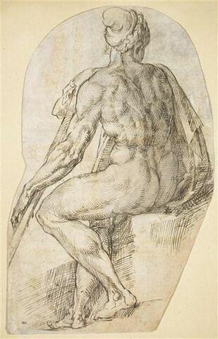 Figure nue assise, vue de dos, tenant un baton