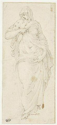 Femme debout, vue de face, la tête tounée à gauche, soutenant ses vêtements