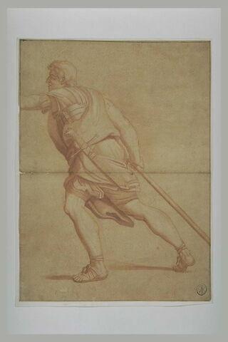 Soldat armé d'une lance, de profil vers la gauche