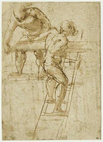 Deux hommes sur un échafaudage portant une poutre