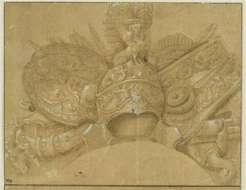 Trophée : bouclier et un casque surmonté d'une sphinge
