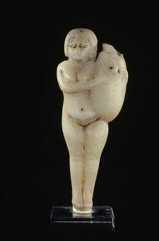 figurine ; alabastron ; vase plastique