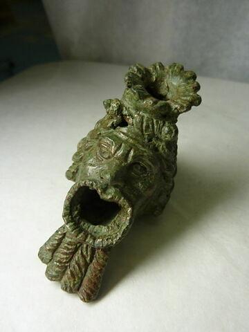 figurine ; vase