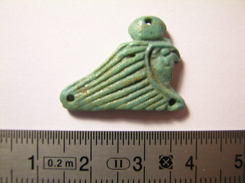 amulette  ; extrémité de collier