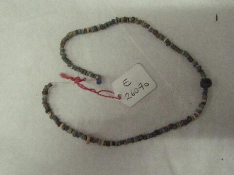 collier  ; bracelet  ; perle