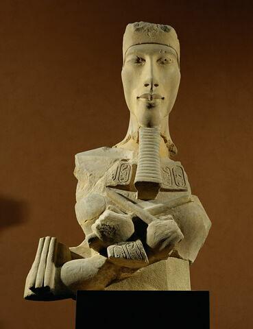 vue d'ensemble ; face, recto, avers, avant © 2003 Musée du Louvre / Erich Lessing