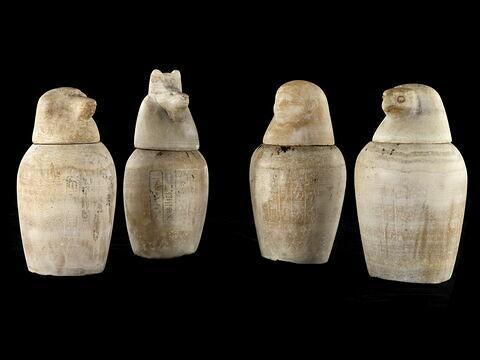 vase canope ; élément momifié