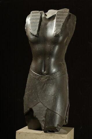 statue ; Torse de Nectanebo I