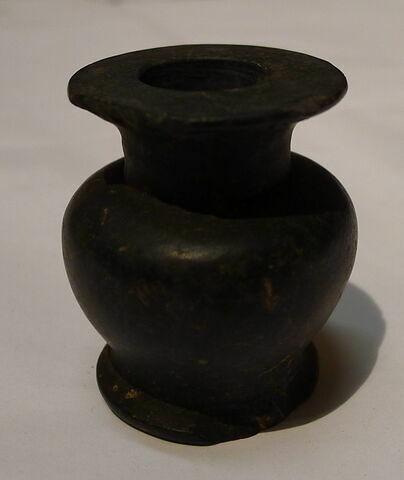 pot à kohol ; vase miniature