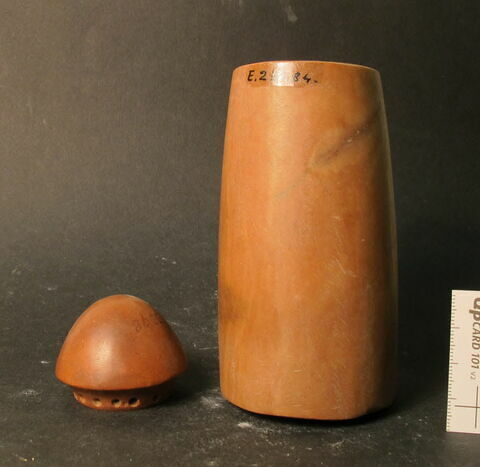 vase ; bouchon de vase