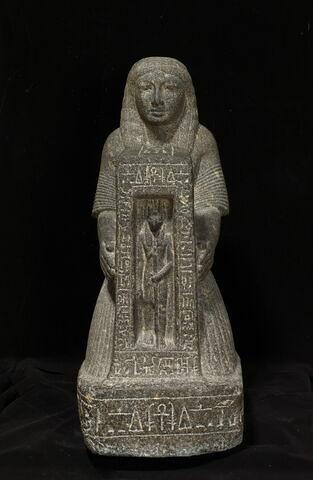 statue naophore