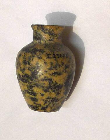 flacon ; jarre ; vase miniature