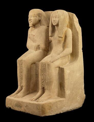 vue d'ensemble ; trois quarts gauche © 2010 Musée du Louvre / Georges Poncet