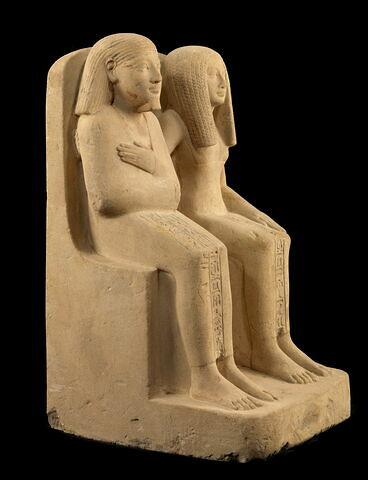 vue d'ensemble ; trois quarts droit © 2010 Musée du Louvre / Georges Poncet