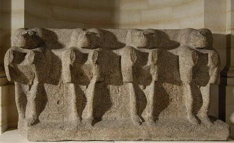 statue ; socle ; Socle de l'obélisque oriental de Louxor