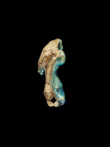 vue d'ensemble ; trois quarts dos © 2013 Musée du Louvre / Georges Poncet