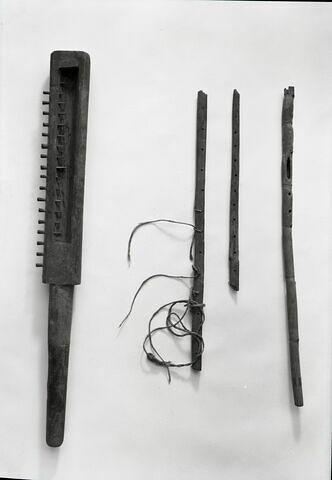 vue groupée © Musée du Louvre / Maurice et Pierre Chuzeville