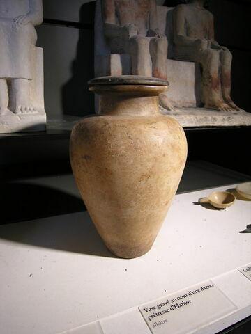 jarre ; couvercle de vase ; vase canope