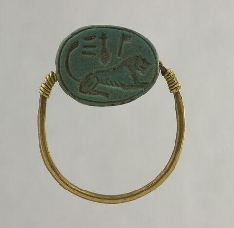 bague à chaton mobile ; bague en anneau à extrémités enroulées ; bague en anneau mince ; scarabée