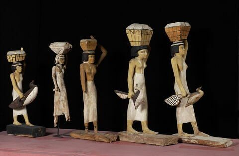 vue groupée ; vue d'ensemble © 2003 Musée du Louvre / Christian Décamps