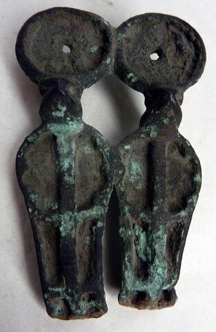 pendentif  ; statue