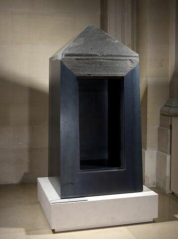 vue d'ensemble ; vue avec montage ; trois quarts droit © 2011 Musée du Louvre / Georges Poncet