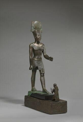 statue ; figurine de donateur