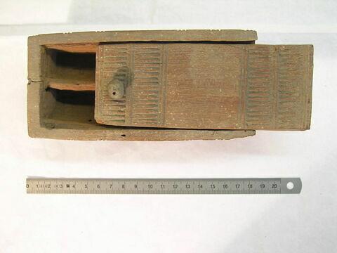 boîte semi cylindrique ; boîte à 5 compartiments ; couvercle de boîte à glissière